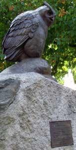 Faluner Uhu-Statue