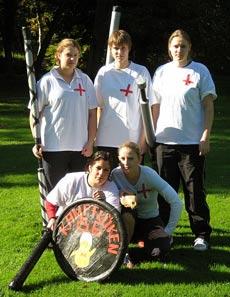 Die Kranken Schwestern: Damenmannschaft im Jugger